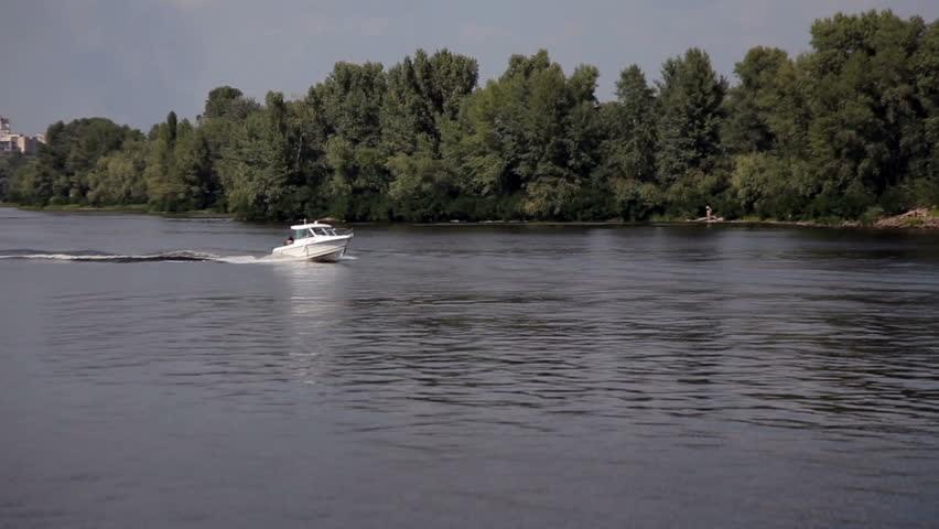 https://www.shutterstock.com/video/clip-11069093-stock-footage-motor-boat-on-lake-zalew-zegrzynski-in-poland.html?src=rel/4890875:4