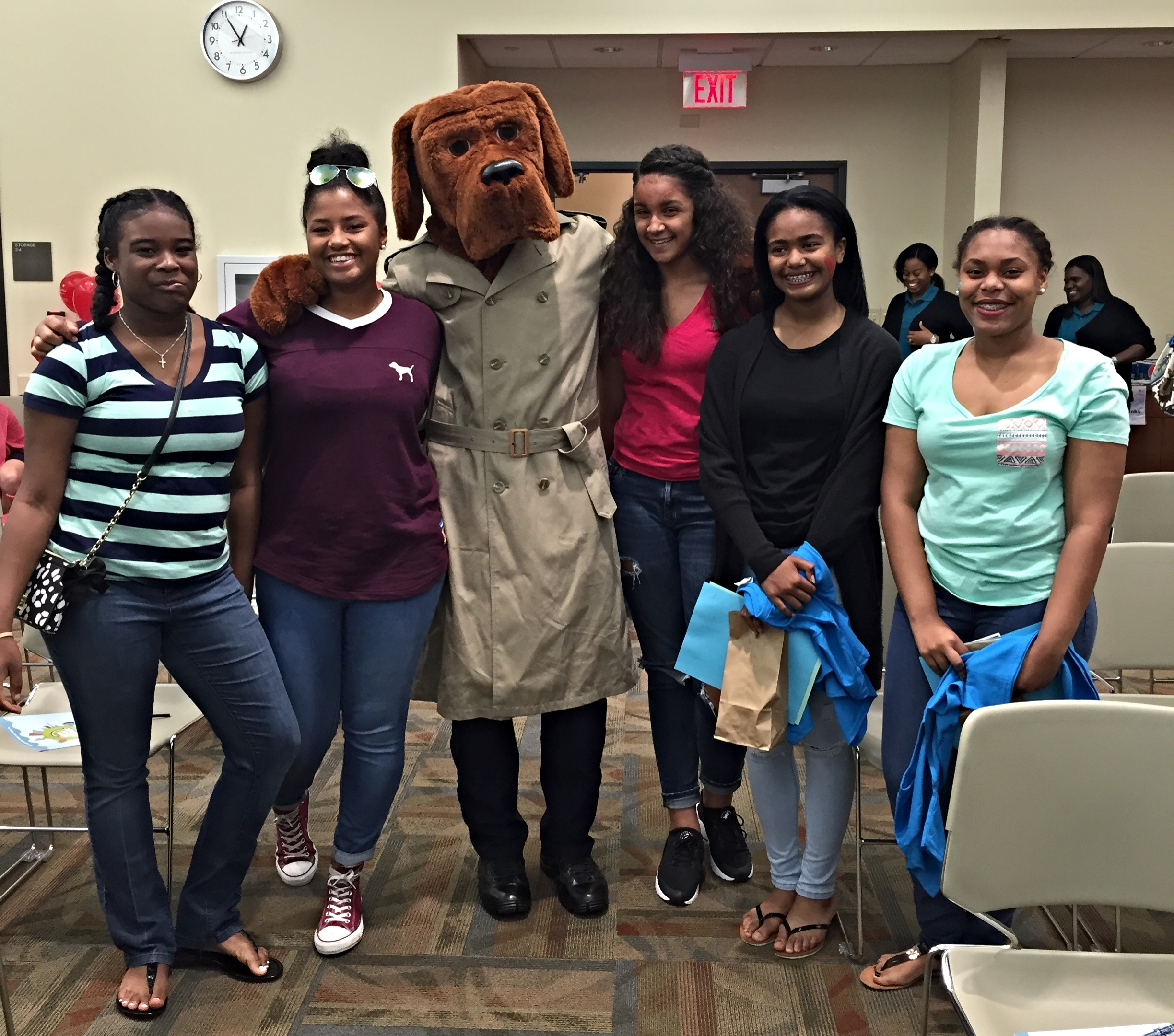 Hearts of Hope Youth Advisory Board members (Madisyn Willis, Amber Hall, AnyaRae Joseph, Micaiah McZeal & Carah Gardiner) stand with McGruff against child sexual abuse