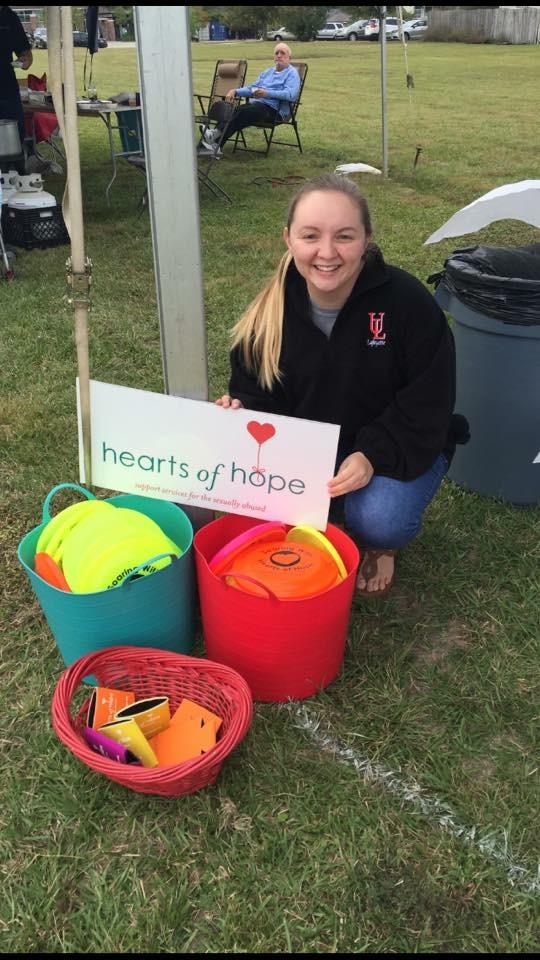 Hearts of Hope UL student volunteer help at The Bayou Church
