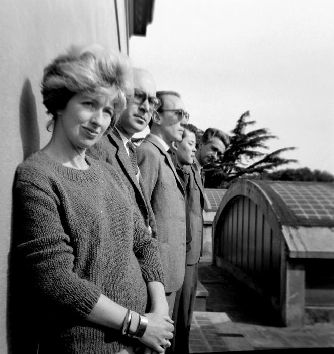 The 'Grupo de los cinco'. From left to right: Sarah Grilo, Clorindo Testa, José Antonio Fernández-Muro, Kazuya Sakai and Miguel Ocampo. Buenos Aires, 1960  Photo: © Diana Levillier