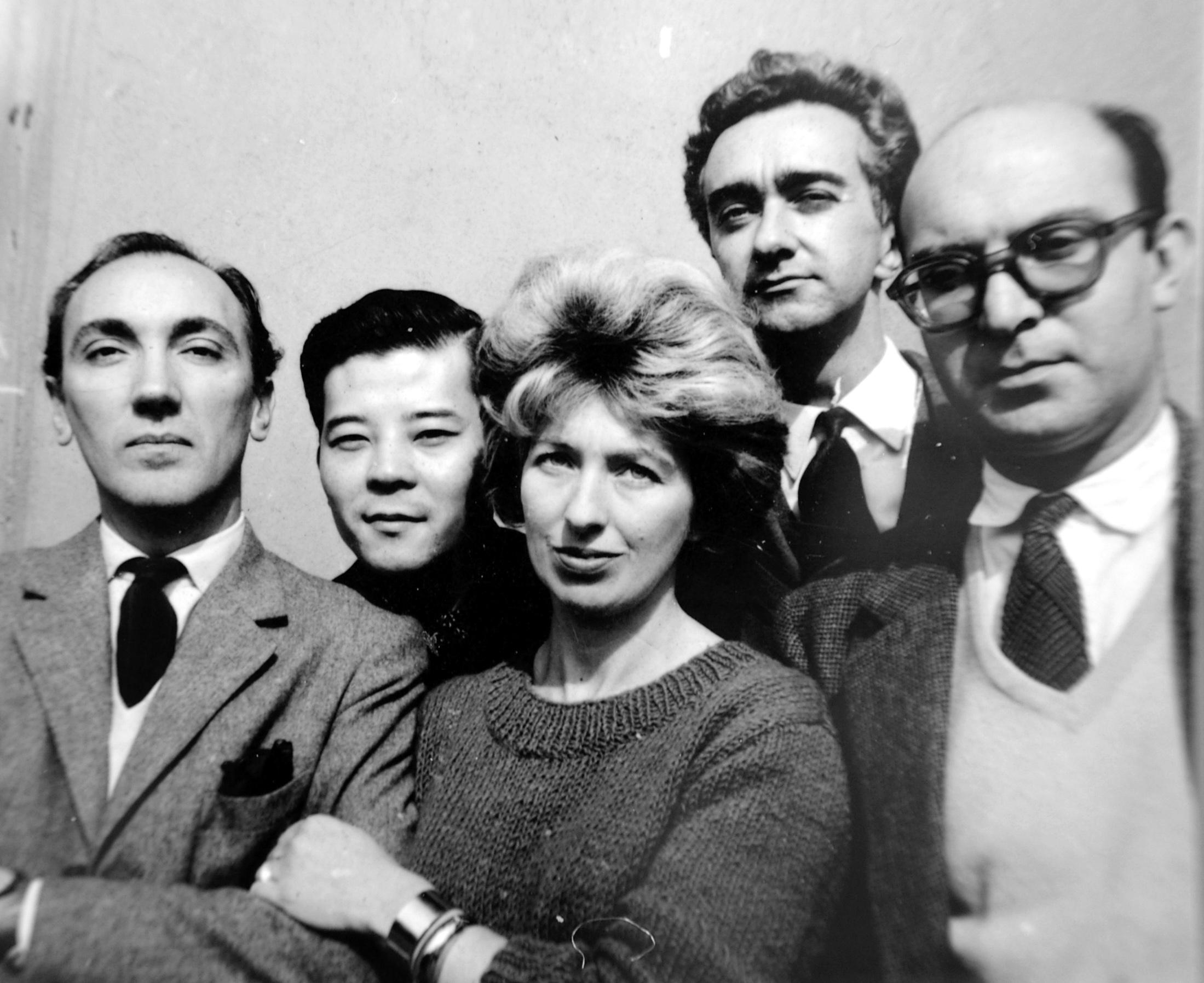 The 'Grupo de los cinco'. From left to right: José Antonio Fernández-Muro, Kazuya Sakai, Sarah Grilo, Miguel Ocampo and Clorindo Testa. Buenos Aires, 1960  Photo: © Diana Levillier