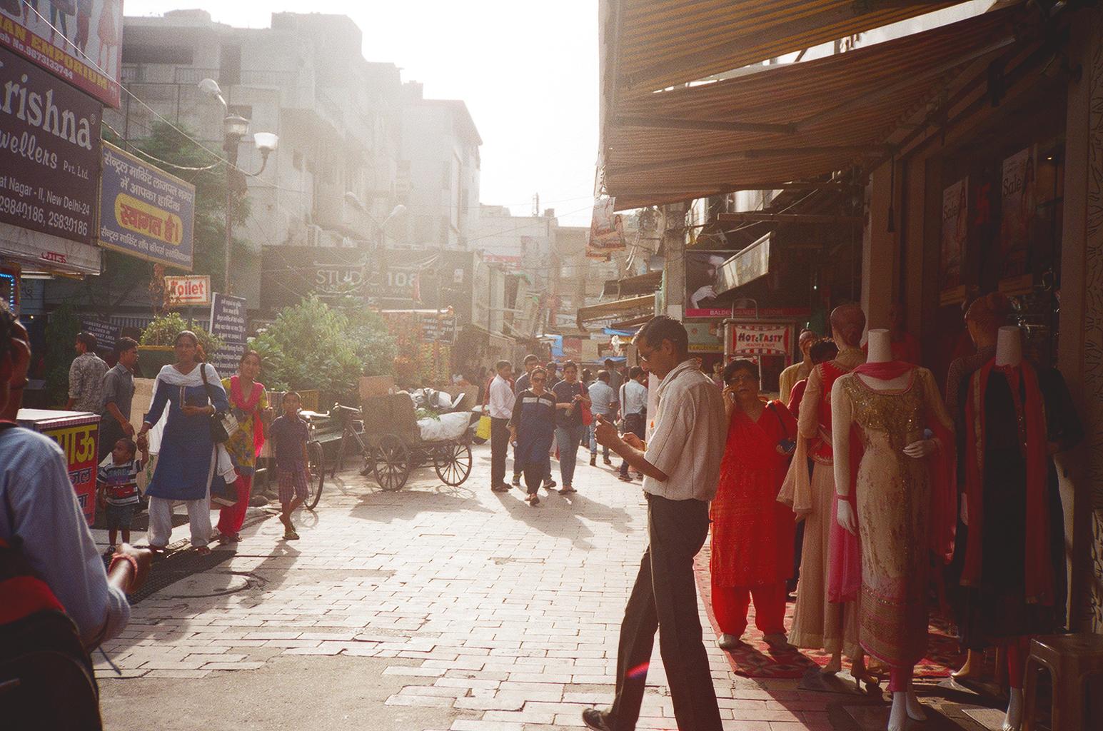 LauraHelenWinn_DelhiMarket