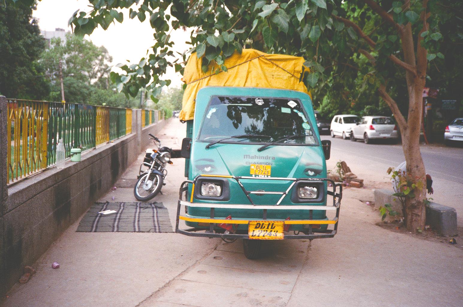 LauraHelenWinn_DelhiCar