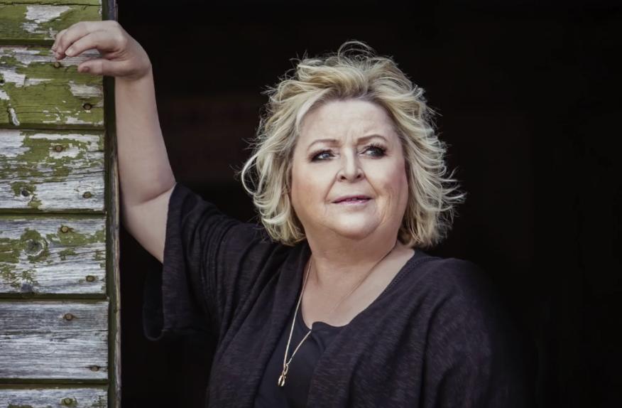 Kikki Danielsson i podcasten Anna Moore möter stjärnor. Foto; Rickard Eriksson