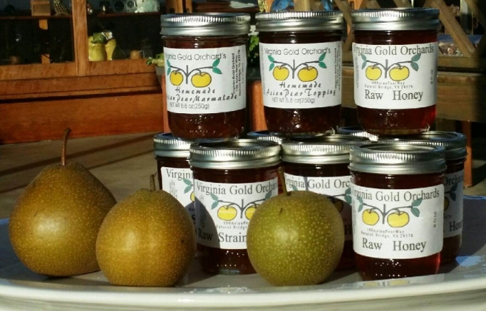 Asian Pear Marmalade and Dessert Topping Ingredients:  Asian pears, sugar, pectin, oranges, lemons, citric acid, and ginger.    Each jar contains 8 fl oz:  2-jar gift box contains total 16 fl oz 4-jar gift box contains total 32 fl oz