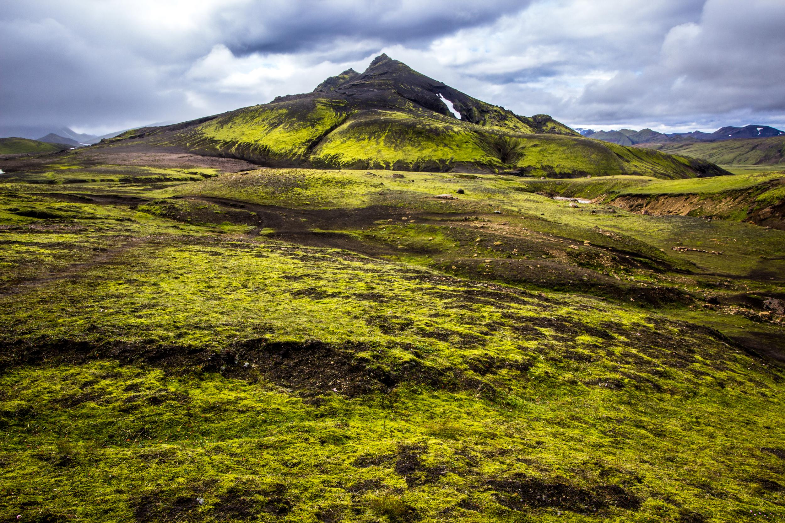 Torfatindar, Álftavatn Valley, Laugavegur Trail, Iceland (Aug. 2015)