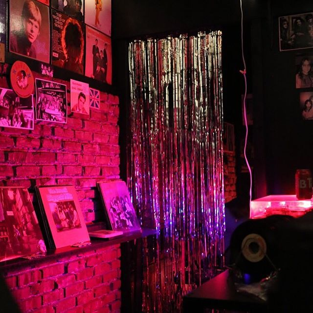 Glitter curtains at Rodney Bingenheimer's English Disco.  #rodneybingenheimer #dennishoekstra #LA #SunsetStrip #glitterrock #sculpture #ltdlosangeles