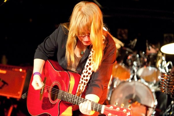 robin-lane-performing-at-the-middle-east-in-cambridge.jpg