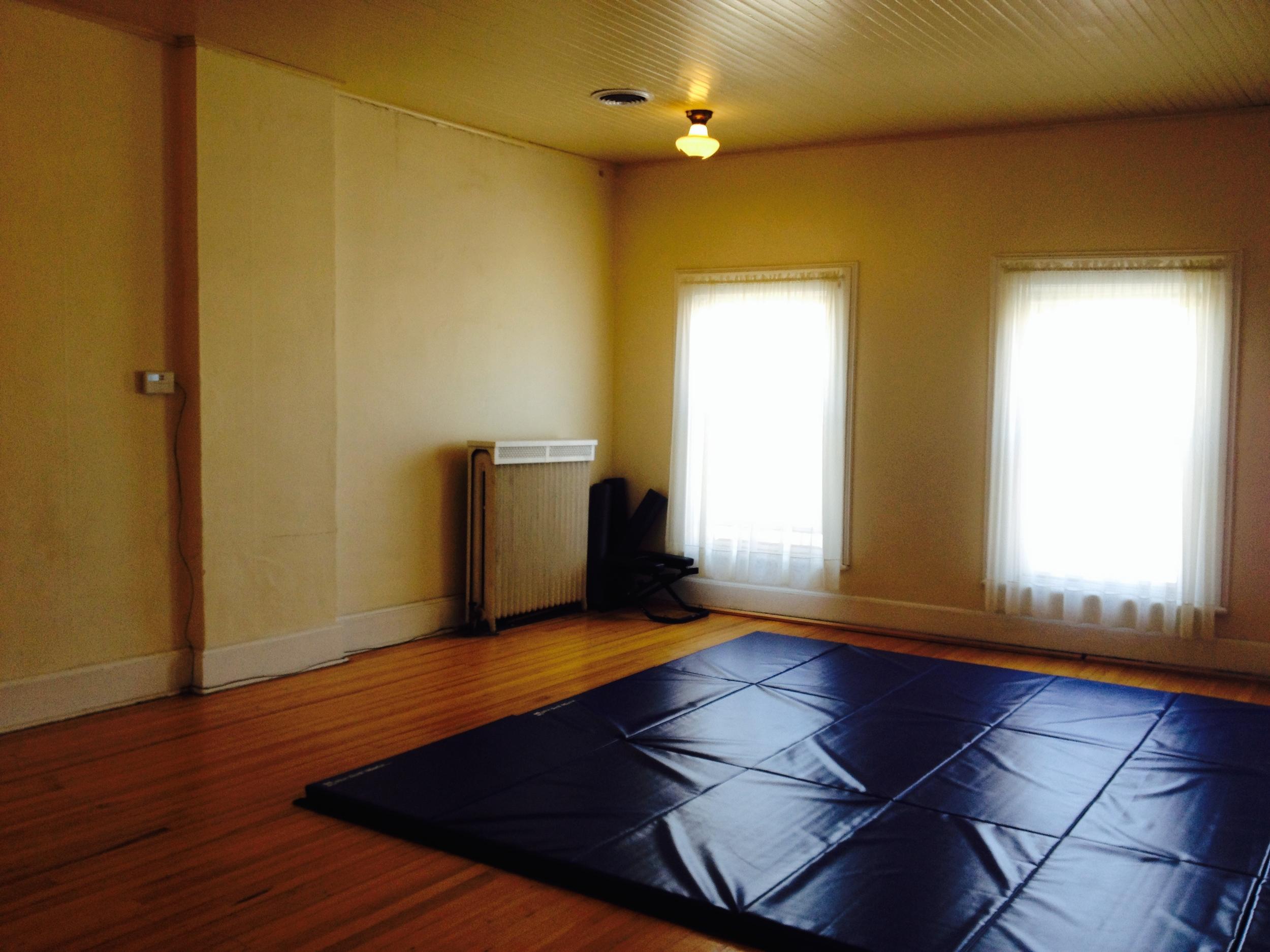 buffet/dj/karate room