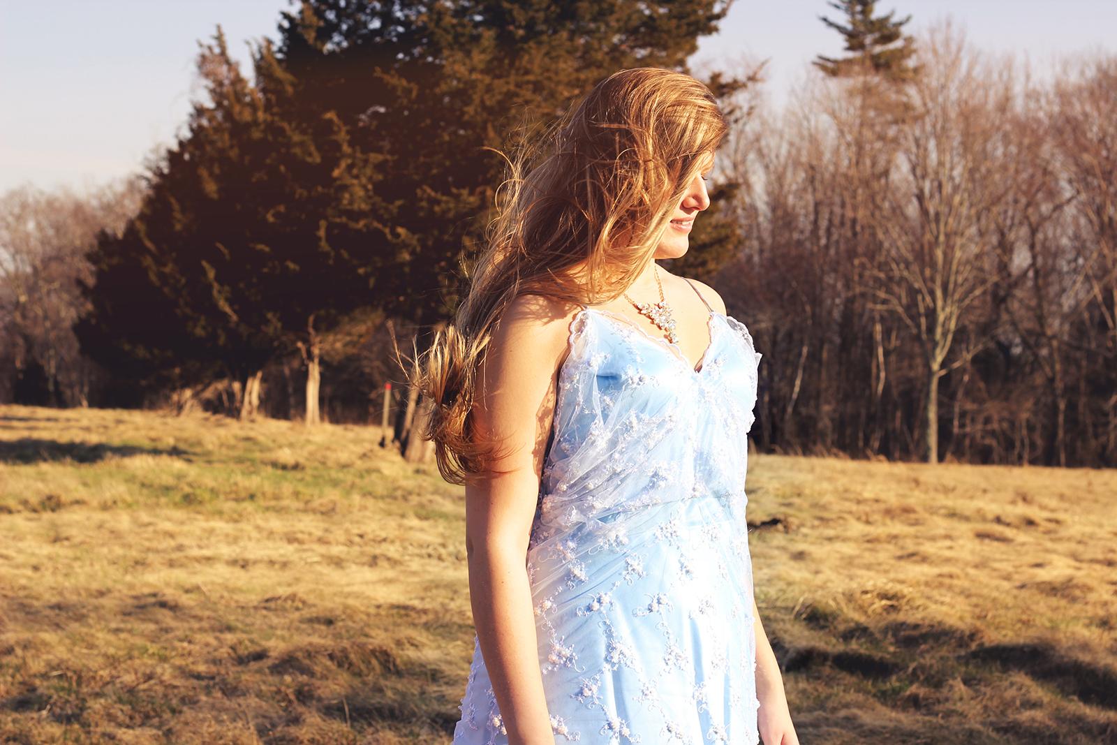 blueweddingdress_sky_hair_small.jpg