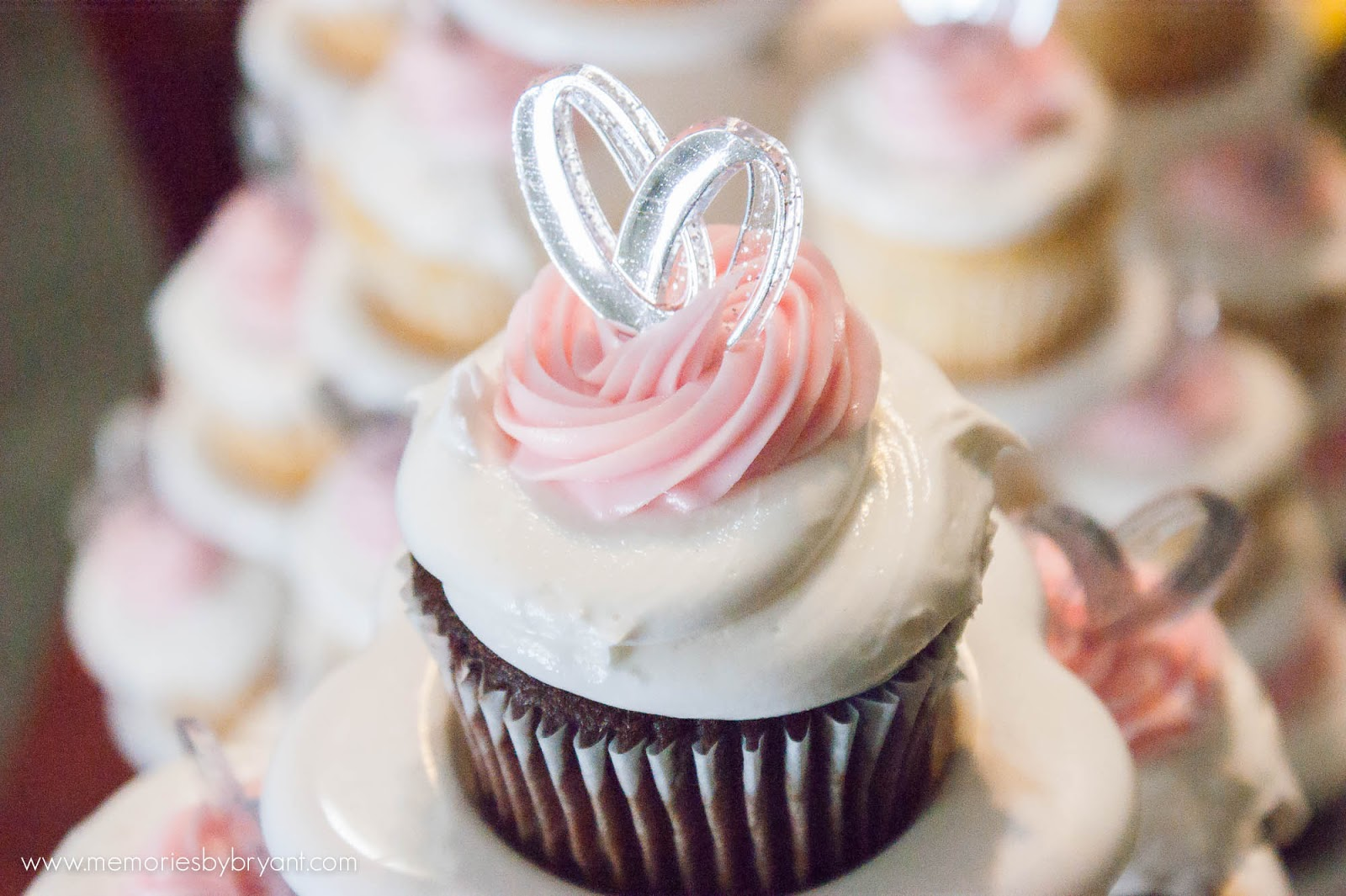 wedding details cupcakes