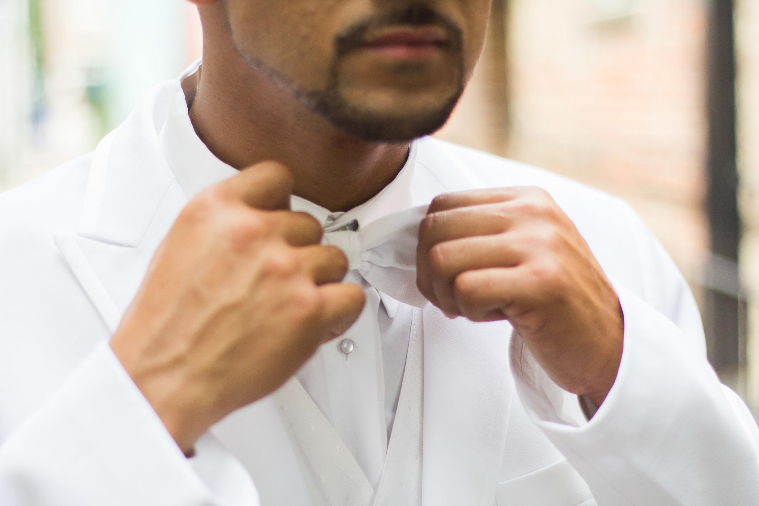 groom bowtie trends