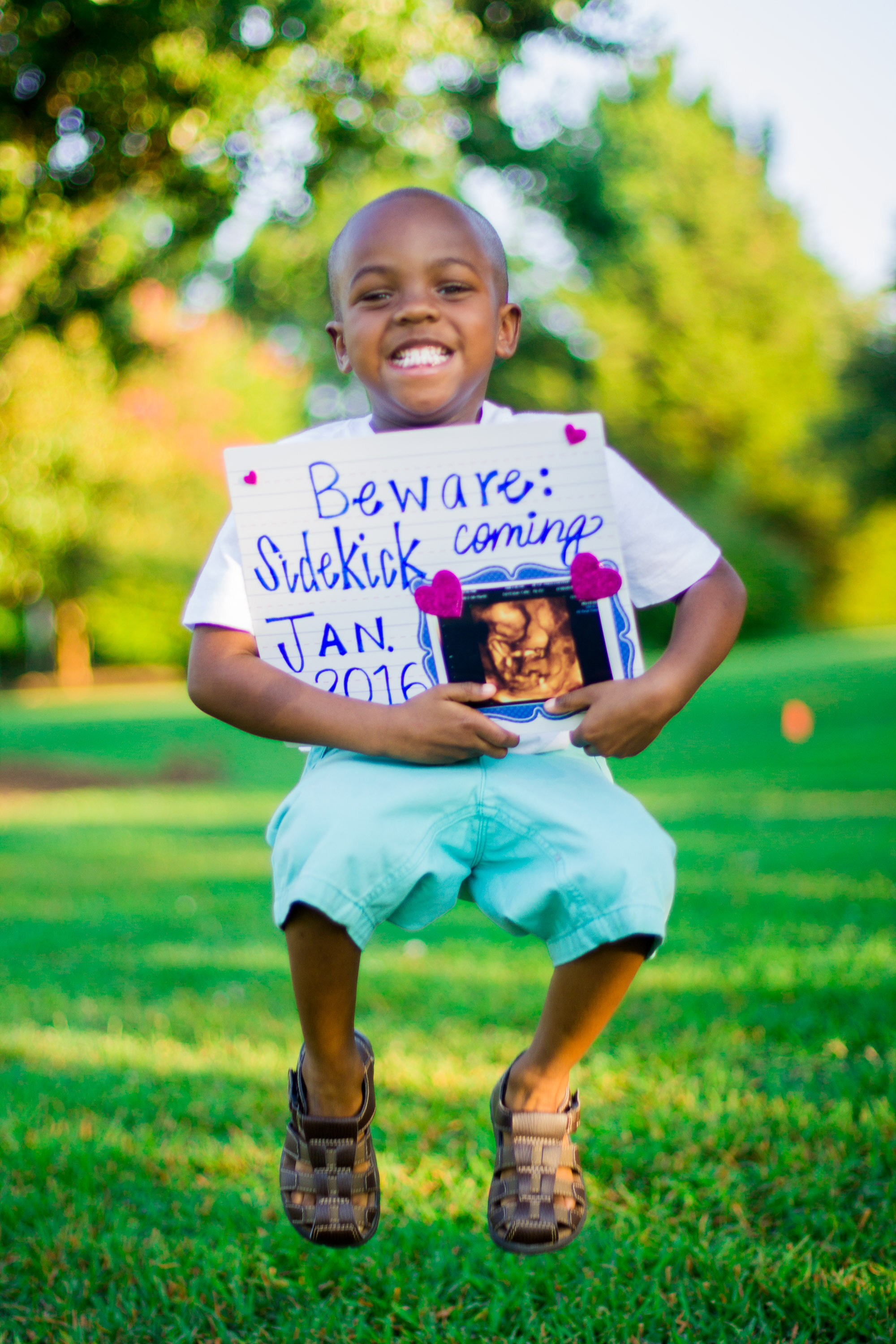 Big Brother Maternity Portraits Ideas   Criston Is Going To Be A Big Brother   Bryant Tyson Photography   www.memoriesbybryant.com