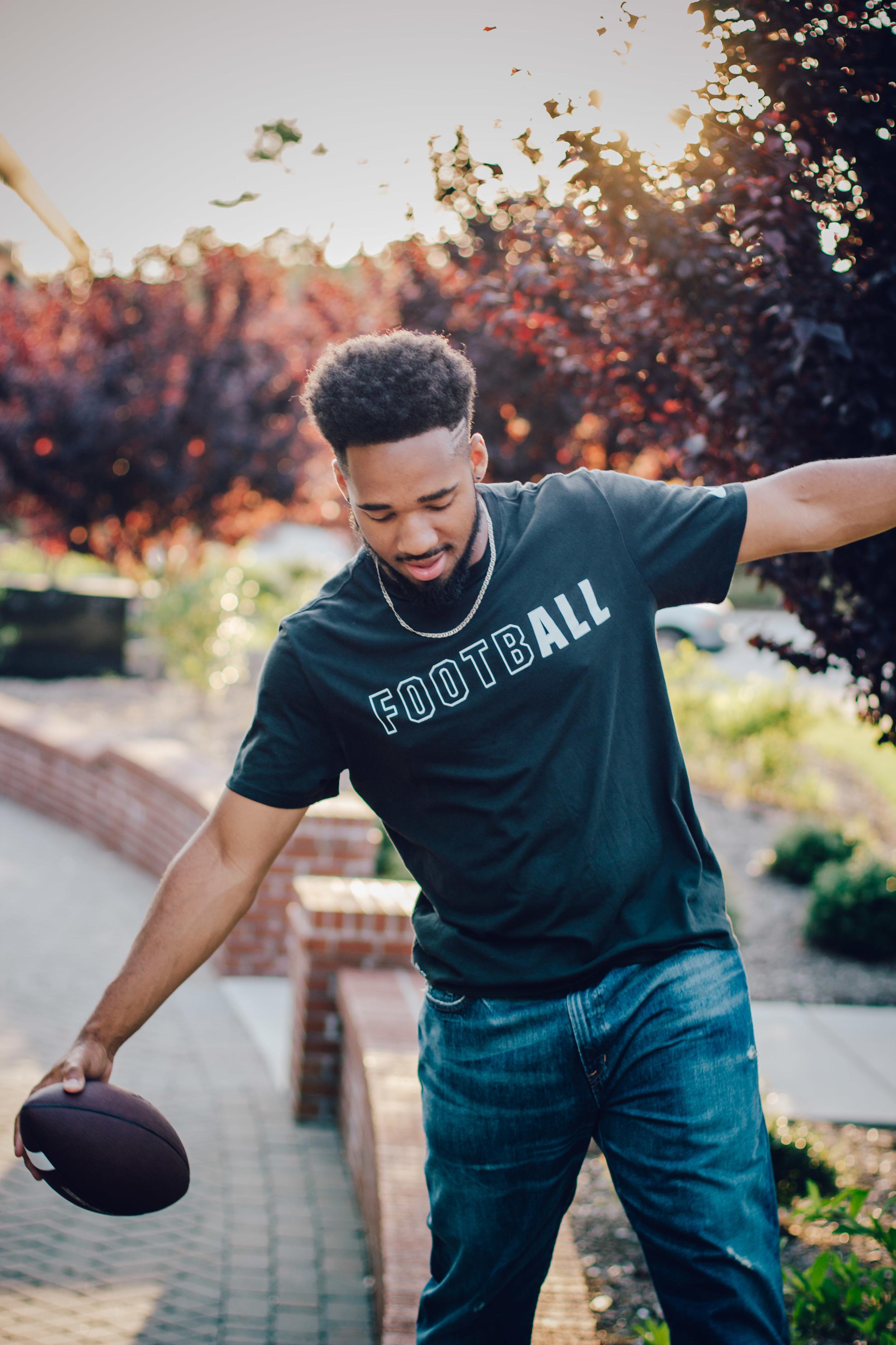 Chris E | Farmville Central High School Class of 2017 | Greenville NC Senior Portrait Photographer | Bryant Tyson Photography | www.memoriesbybryant.com