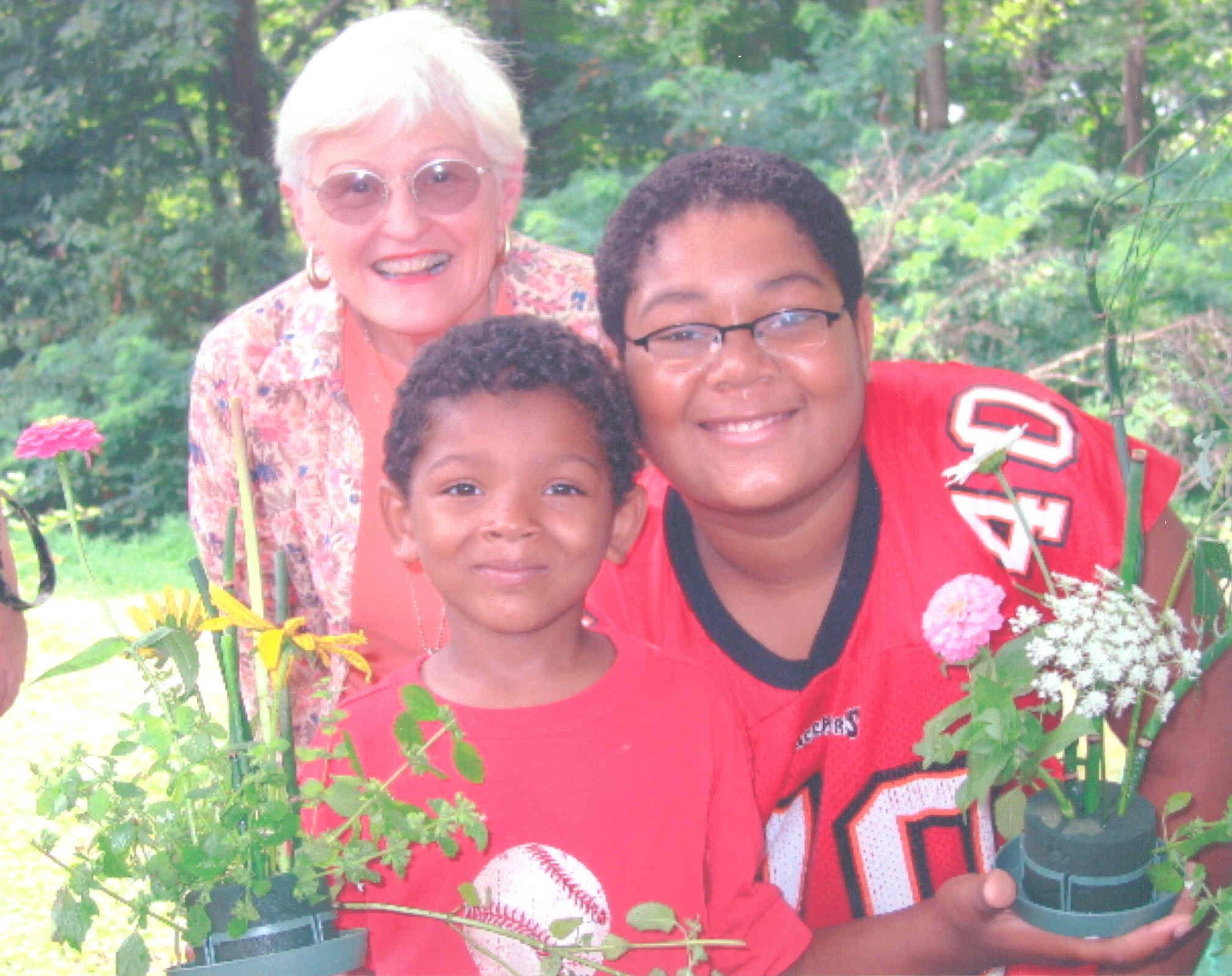 2004 Betty, Jovon & Tashik.jpg
