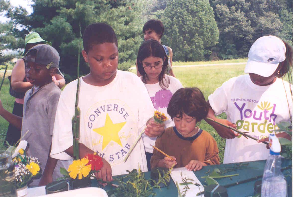 2005 Harvest Day Floral Art.jpg