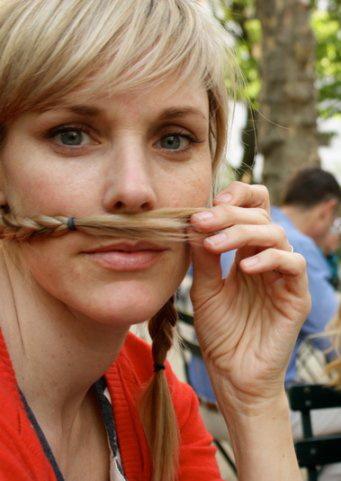 mustache nic