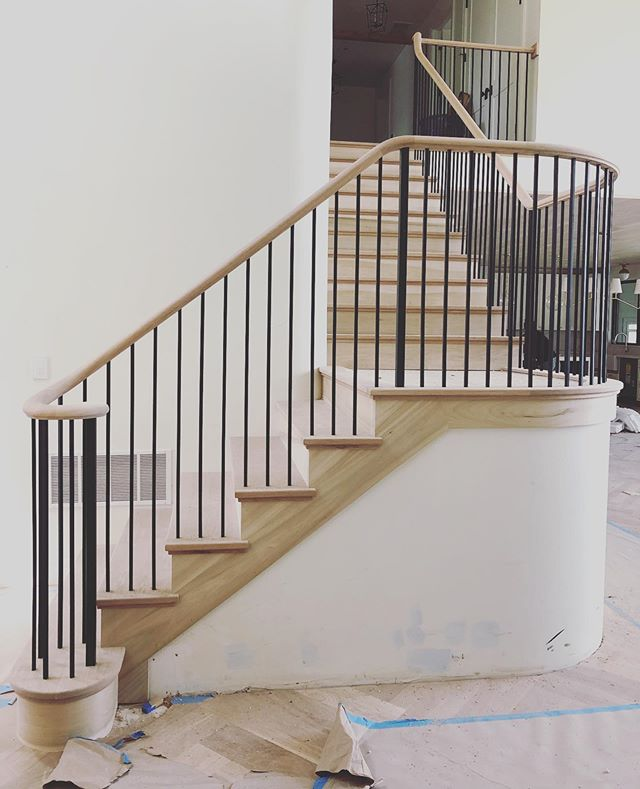 More stairs, more contours ... almost there! . . . . #hannahgalbreathdesign #newbuild #interiordesign #interiordesigner #moderndesign #stairdesign #residentialdesign #utahdesign #classicdesign