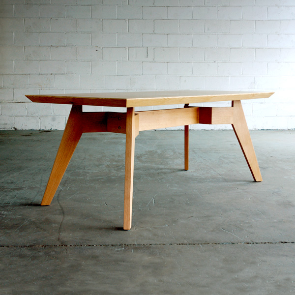 Span-Dining-Table02.jpg