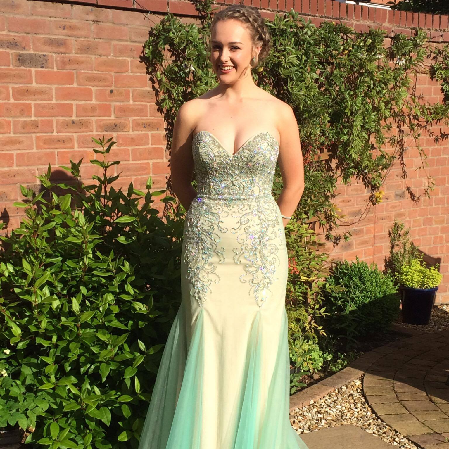 As promised a photo of Issy in her beautiful dress, she looked gorgeous and had a great night.