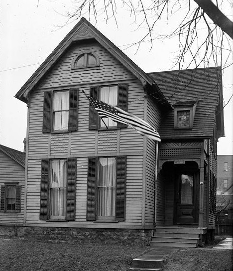 Charles Settlement House: original location on Magne St.