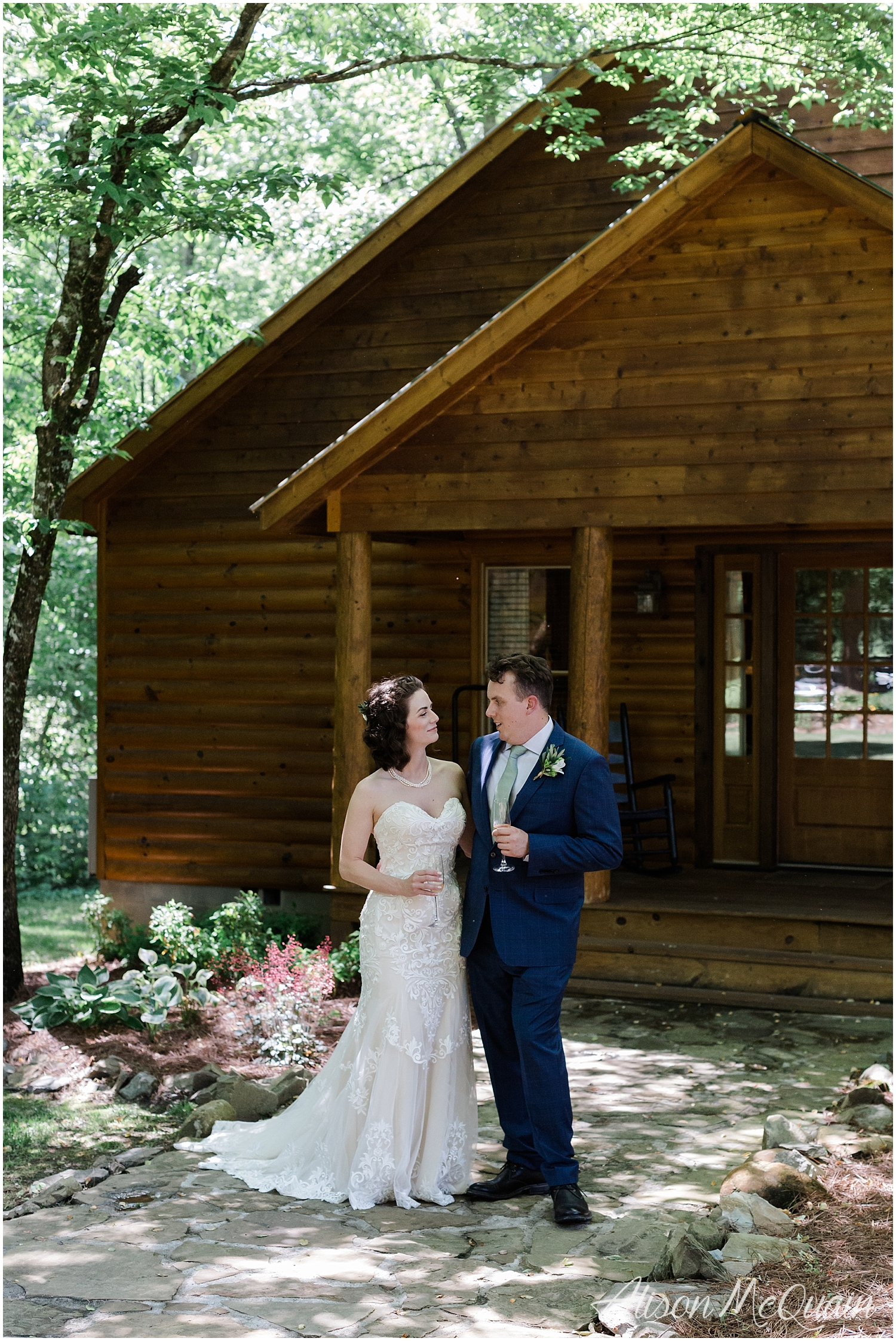 2018-05-23_0003LandC_wedding_dancingbearlodge_townsend_tn_amp.jpg