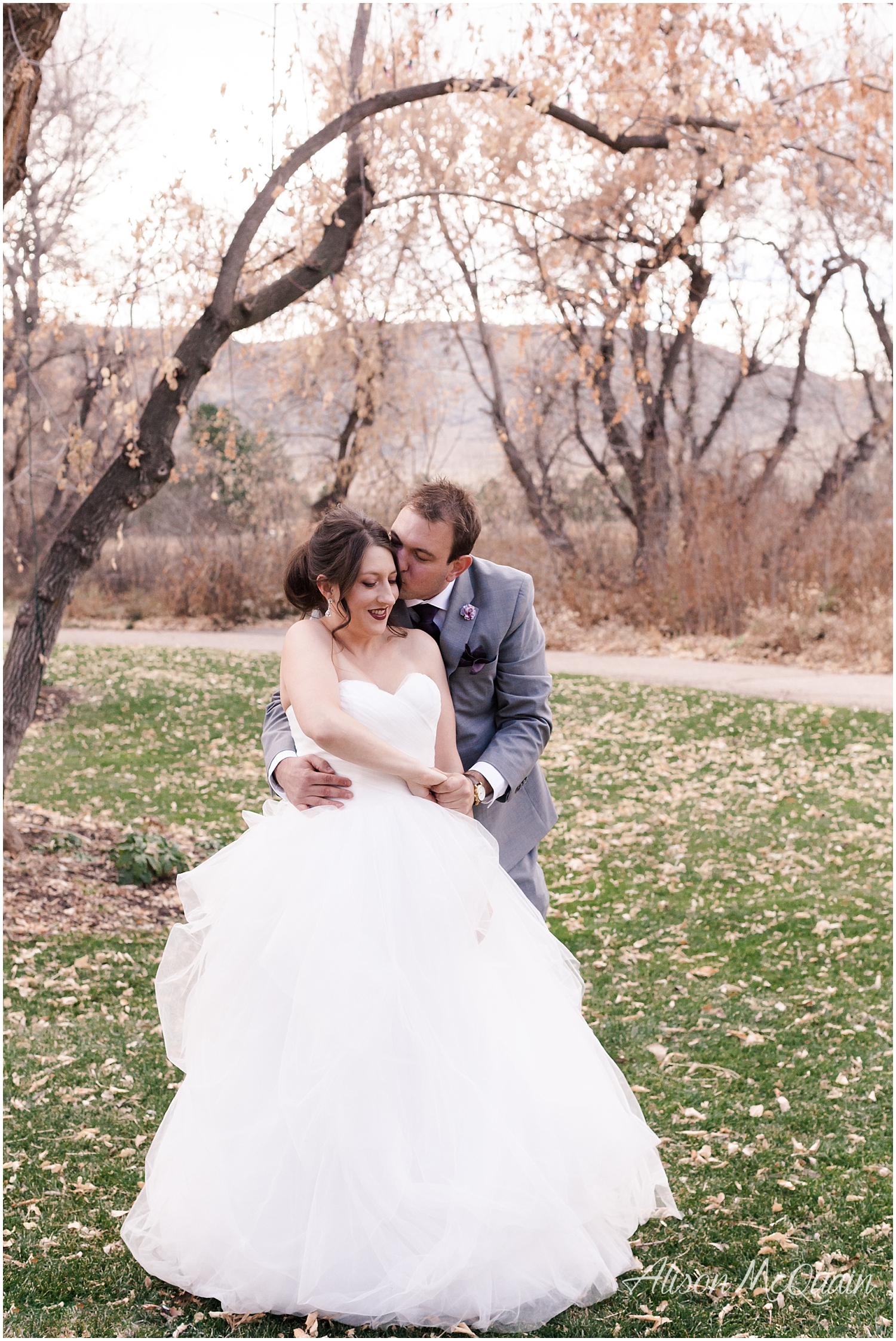 Zako_Wedding_ChatfieldFarm_Denver_Fall_2018_AlisonMcQuainPhotography_0026.jpg