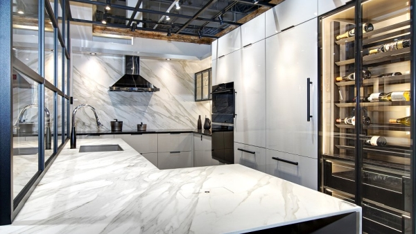 Salle de montre de cuisine verrière - MACUCINA Laval