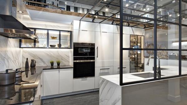 Salle de montre de cuisine verrière 2 - MACUCINA Laval