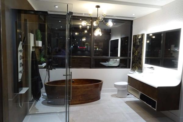 Salle de montre de salle de bain chez MACUCINA à Laval