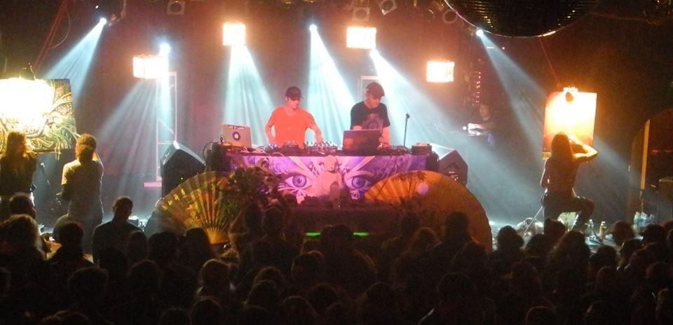 DesertDwellers_krystleliveart&stagebanner3.jpg