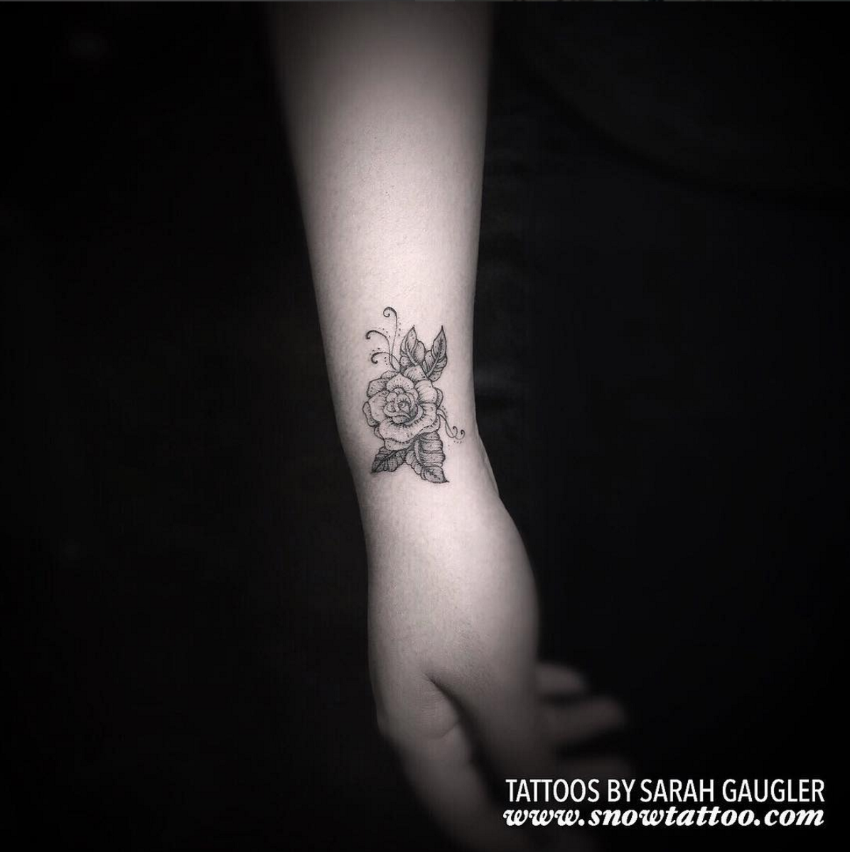Sarah Gaugler Snow Tattoo Custom Rose Signature Desing Original Fine Line Detailed LineWork FineLine DetailedTattoos Intricate Tattoos New York Best Tattoos Best Tattoo Artist NYC.png