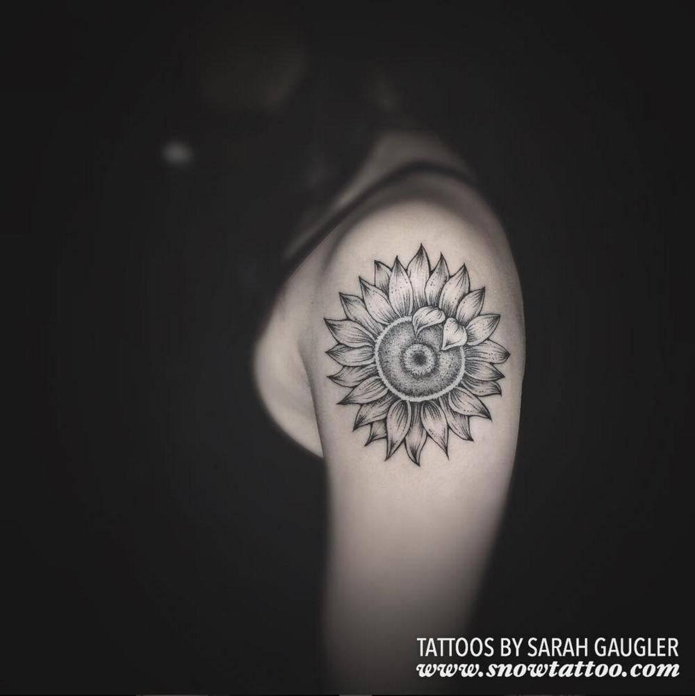 Sarah+Gaugler+Snow+Tattoo+Custom+Floral+Sunflower+New+York+Best+Tattoos+Best+Tattoo+Artist+NYC.png