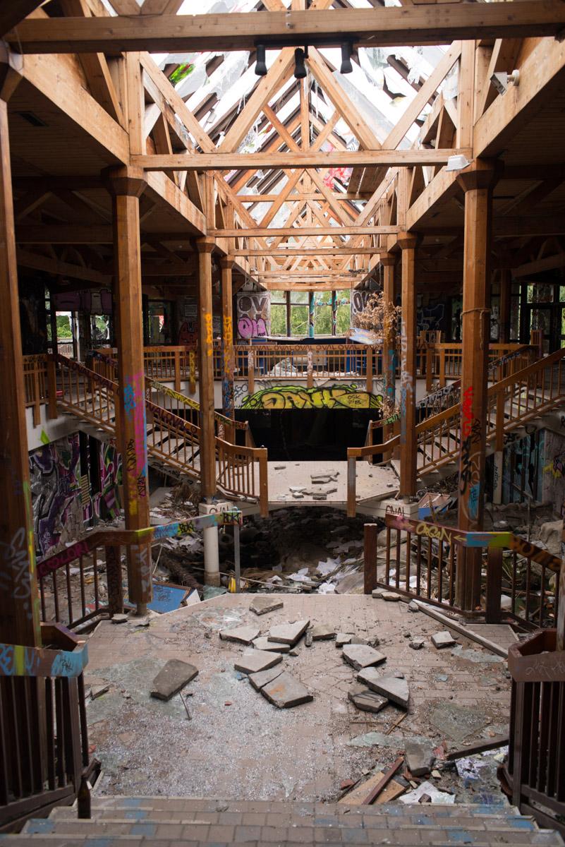Abandoned swimming pool, Berlin