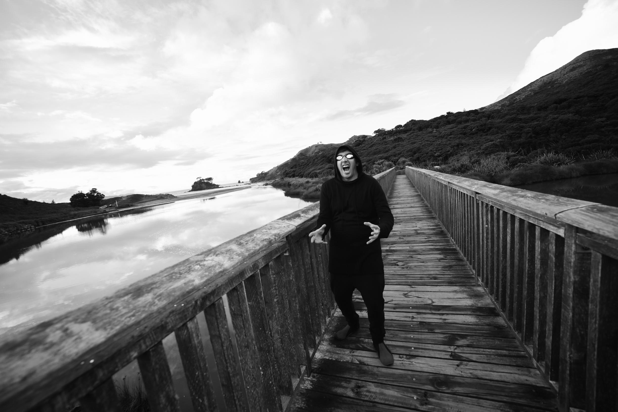 DAAAAAAARRRRTTTT! Dark Arts afoot - Great Barrier Island