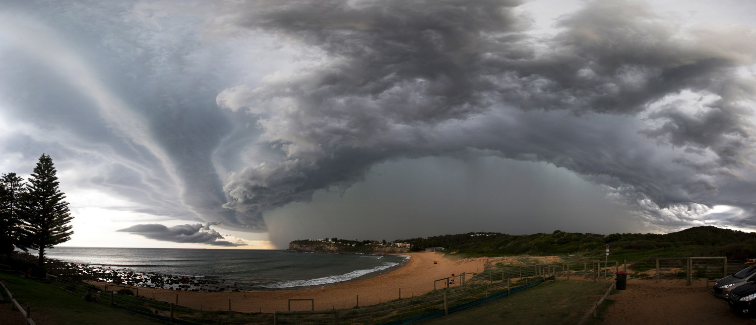 A large storm cell approaches Avalon Beach on Friday the 5th of December.