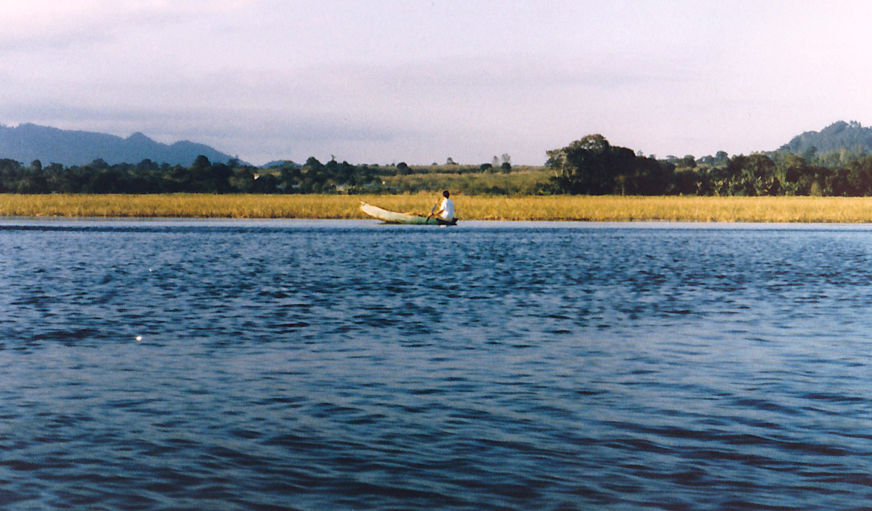 Lake-Yohoa-21.jpg