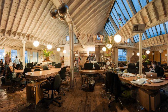 The Hub Islington co-working space in London. ( The Hub Islington, Flickr.com, CC BY SA 2.0 )