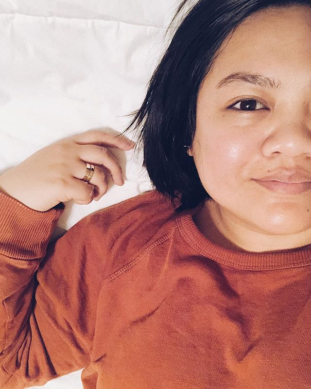 Hiiiii, it's me. Raw, no make-up, post @freshbeauty overnight sleeping mask, very tired, trying to love and be okay with all the messy, chaotic parts, me. This is a reminder to pause, throw in that much skincare routine, remind yourself you are more than enough, kick self doubt to the curb and rrrrreeeellllaaaaaxxxxxxxx. ✨ Okay, let's take on the world now 😉 but first let's take care of that skin. ————— Took 2843847 photos of this @freshbeauty sleeping mask because I'm obsessed and basically an influencer (not even close) but I am an #influenster 😉 and got this fo free. #FreshRose #NextLevelHydration #contest #complimentary @freshbeauty @Influenster // Is this what it feels like to have sponsored content?!?! Jk.