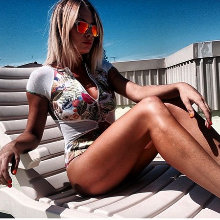 The gorgeous @iamlisaclark rocking our Newport - clear polarised fire sunset style.