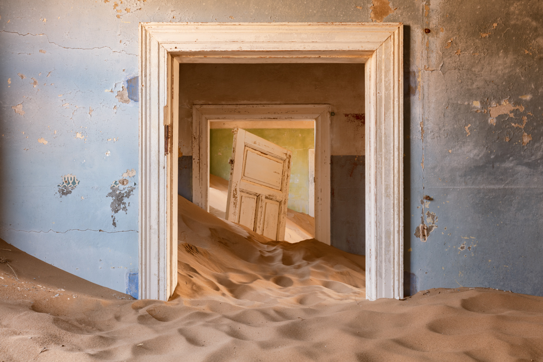 Wow, what can I say? This room makes any trip to Kolmanskop worthwhile. But it is not as easy to find as one would think.