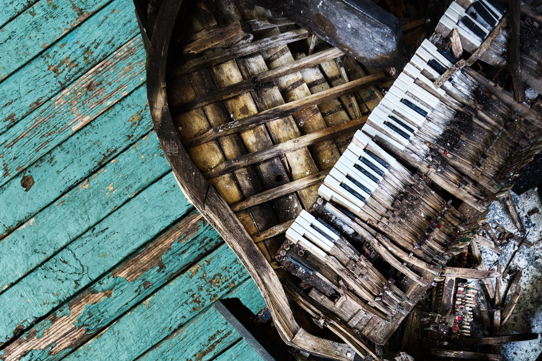 IMAGE 5 - My composite of the same piano with a nice new floor. 2017.
