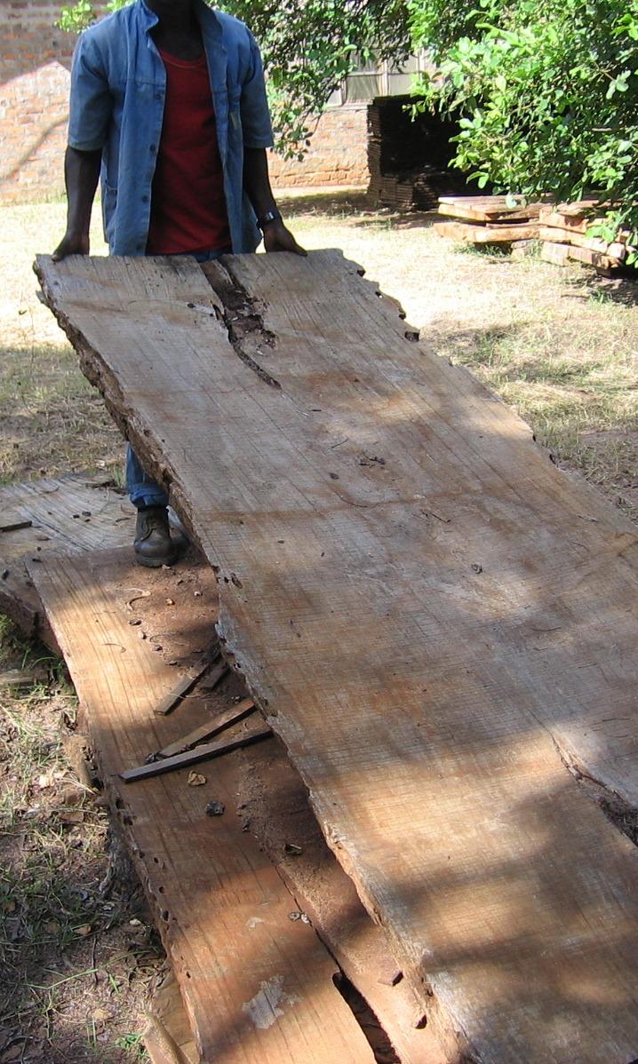 Tabuas rusticas prontas para o acabamento  -  Slabs ready for finishing