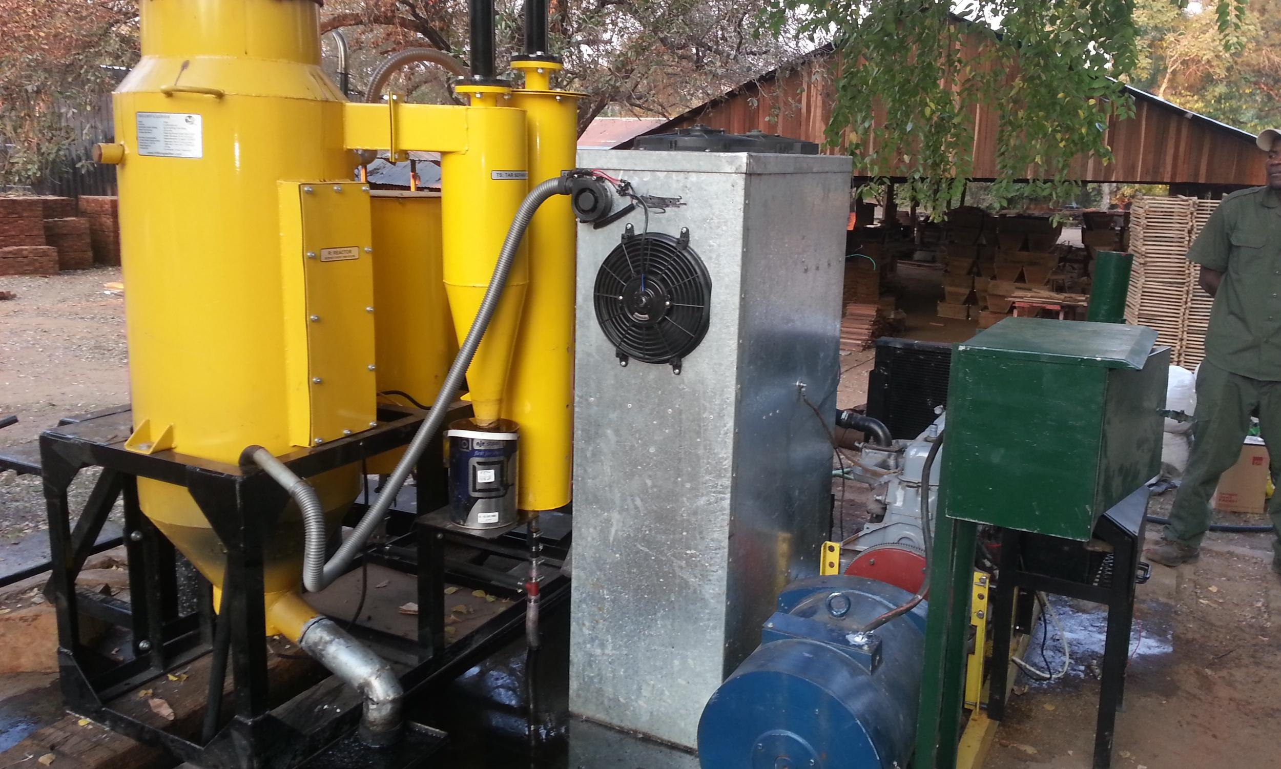 Gaseificador para gerar eletricidade para a vila  - Gasifier to generate electricity for the village