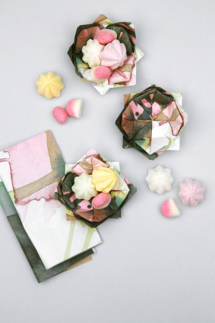 HOW TO MAKE ORIGAMI LOTUS FLOWER CANDY DISHES. USING PAPER NAPKINS