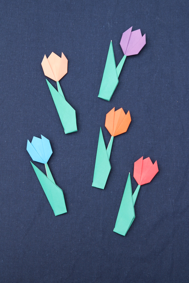 HOW TO MAKE ORIGAMI TULIPS
