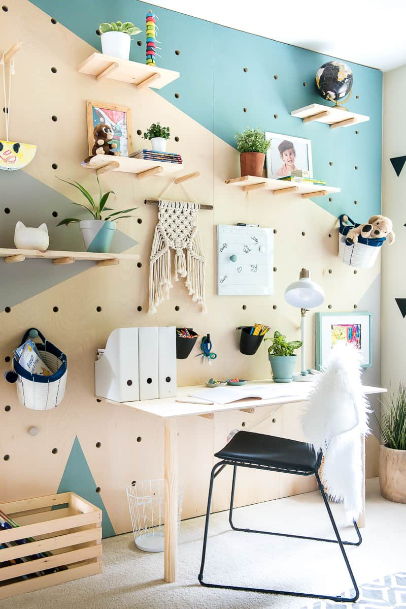 DIY PLYWOOD PEGBOARD WALL from Place of My Taste.
