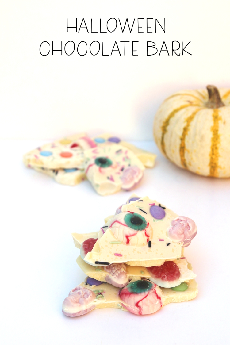 Make Halloween white chocolate bark #halloween #chocolatebark #chocolate #recipe #gatheringbeauty