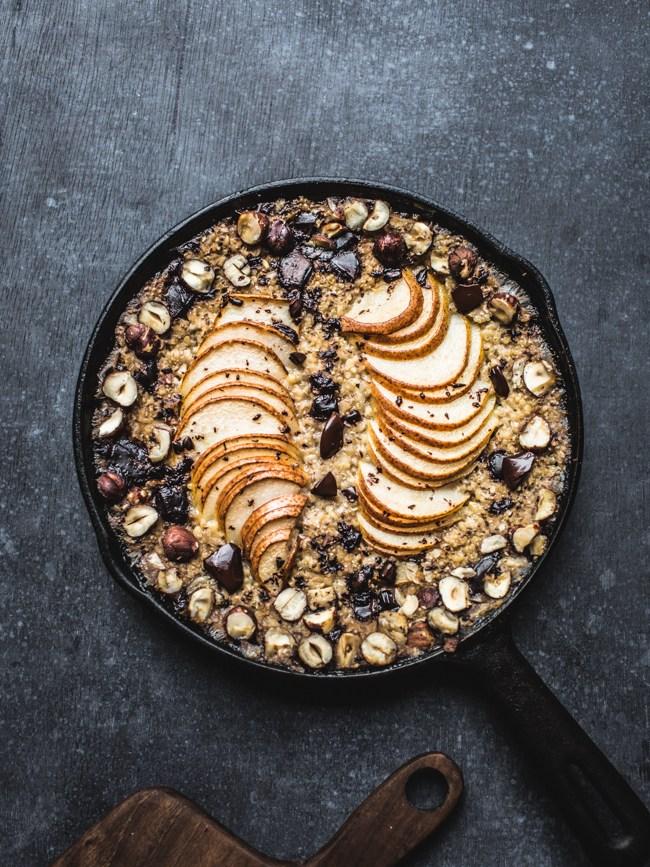 http://www.topwithcinnamon.com/2015/11/baked-pear-chocolate-hazelnut-oatmeal-vegan-gf.html
