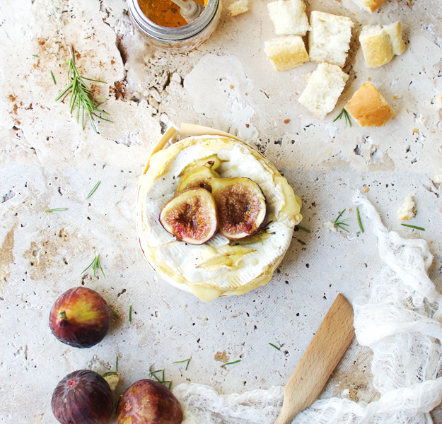 http://www.thebutterhalf.com/baked-brie-fondue-roasted-figs/
